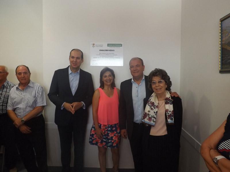 Usted está navegando por las imágenes del artículo: Inauguración Consultorio Médico por Monago y Carrón